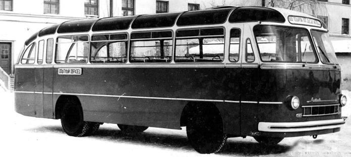 Дослідний автобус ЛАЗ-695. Автобусами цієї моделі різних модифікацій парк автобусів Львівського АТП № 14631 поповнювався із другої половини 1950-х рр. до 2000 р.