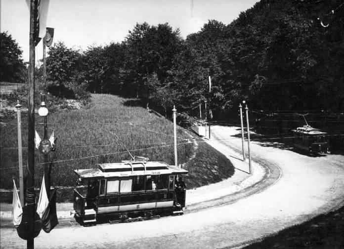 Перші електричні трамваї у Львові на «виставковій» лінії. 1894 р.