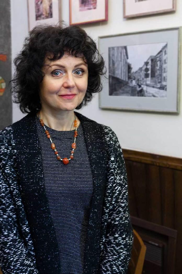 Олена Каменецька-Остапчак