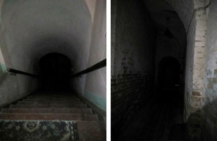 Вхід у підвал, у якому бачили кота, що наче розчинився в повітрі… А в самому підвалі також часом чути якісь незрозумілі шорохи, наче хтось ходить…