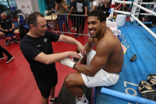 https://i1.wp.com/photo.boxingscene.com/uploads/anthony-joshua%20(20)_1.jpg?w=598&ssl=1