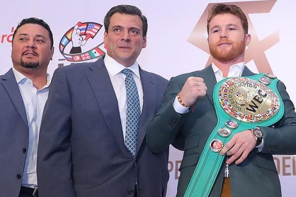 https://i1.wp.com/photo.boxingscene.com/uploads/canelo-sulaiman_2.jpg?w=598&ssl=1