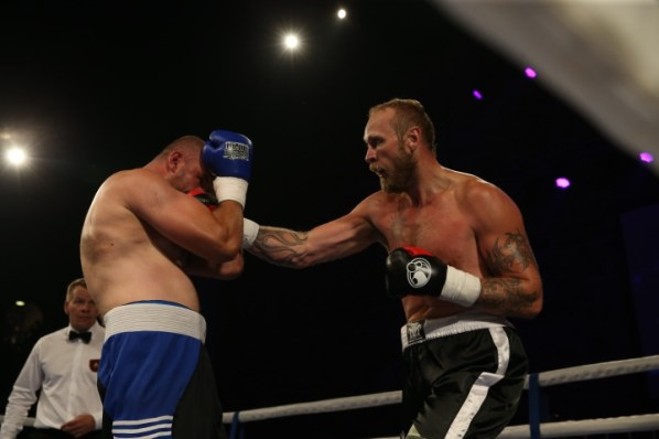 https://i1.wp.com/photo.boxingscene.com/uploads/helenius-bykhautsou.JPG?w=598&ssl=1