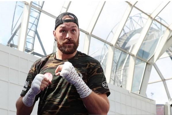 https://i1.wp.com/photo.boxingscene.com/uploads/tyson-fury_7.jpg?w=598&ssl=1