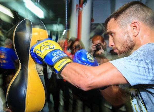 https://i1.wp.com/photo.boxingscene.com/uploads/vasyl-lomachenko%20(4)_9.jpg?w=598