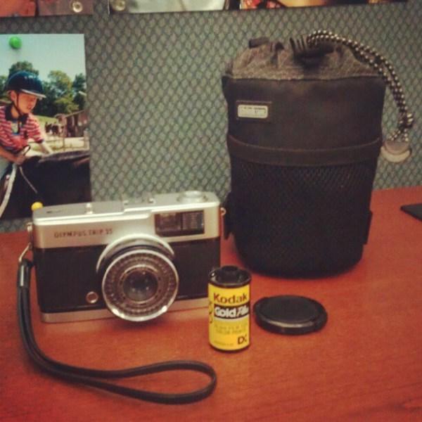 The lens bag doubles as a camera case