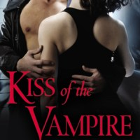 Forever Romance Paranormal Blog Tour Review # 2: Kiss Of The Vampire by Cynthia Garner + GIVEAWAY!