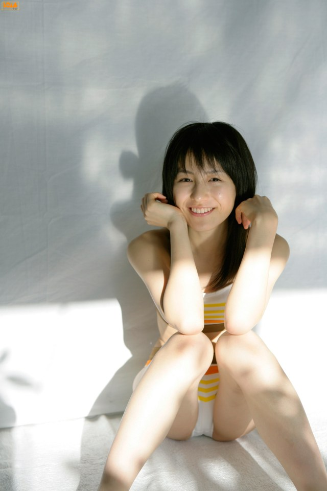 グラドルから女優に転身した平田薫のお宝水着など厳選グラビアまとめ6