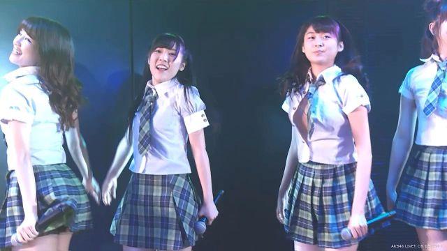 AKB48達家真姫宝がライブ中にシャツのボタンが弾け飛んで発育中のちっぱいポロリのハプニングw5