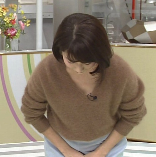 不倫発覚の田中萌アナ すっぴんがヤバい!Cカップおっぱいチラ、パン透け、太くて長いアレをパクリw3