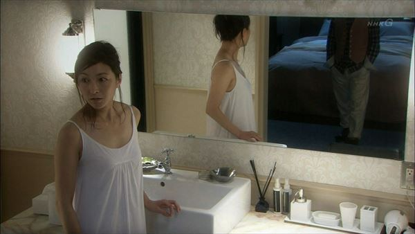 広末涼子 SEXシーンや濡れ場から全裸・下着・胸チラ・乳首透けなどのお宝特選キャプ画像1