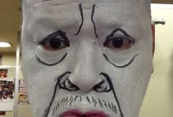 【観覧注意】ジワジワ来るw野性爆弾くっきーの白塗り顔マネがヤバい