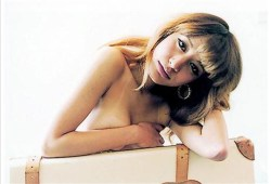 マリエ貴重な手ブラグラビアや路上キス・TV出演時のお宝キャプ画像まとめ