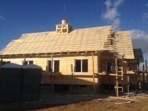 17 - возводим крышу и обшиваем стены храма
