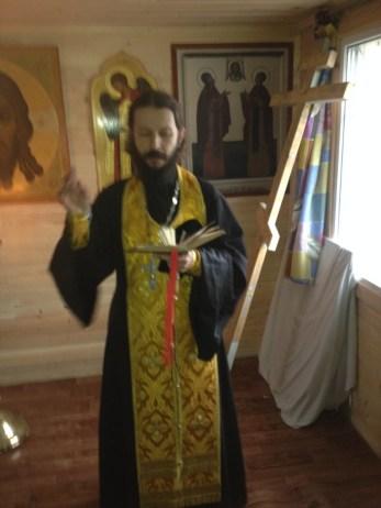 3 - чин освящения Креста в часовне свв. Петра и Февронии