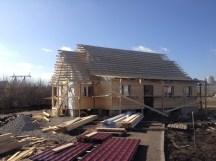 13 - возводим крышу и обшиваем стены храма