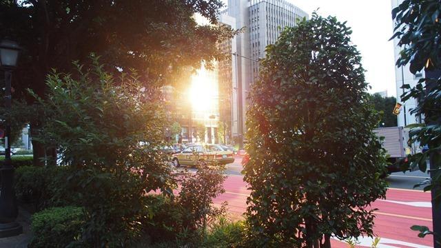 太陽光ビル反射光