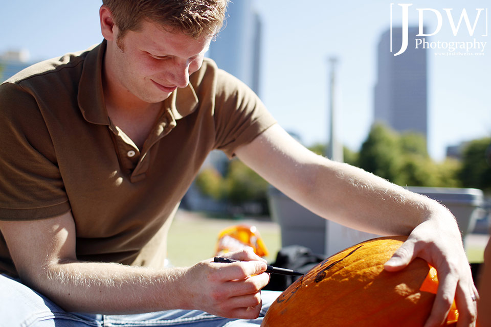 101017_JDW_PumpkinCarving_0006