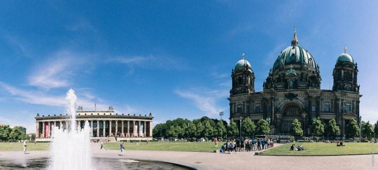 Lustgarten (Panorama aus 10 Hochformaten)