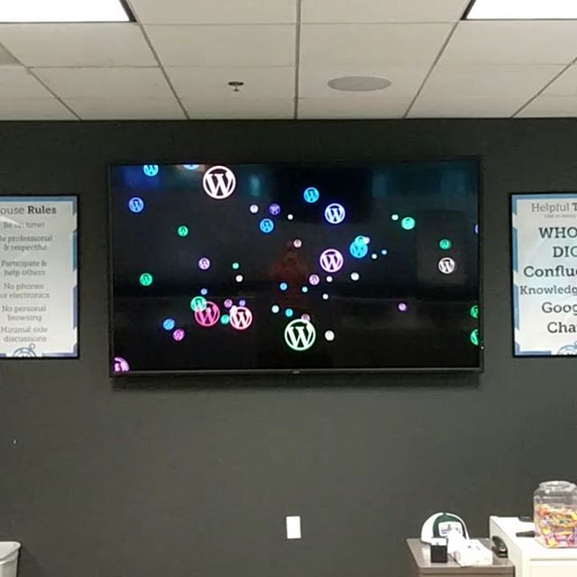 @nickhamze launched an OS X screensaver in the style of Flying Windows from Win95. I'm leading corporate training for a partner this week. I think the best thing to run while people come in the room is his screensaver with epic movie soundtracks under it.  What do y'all think?