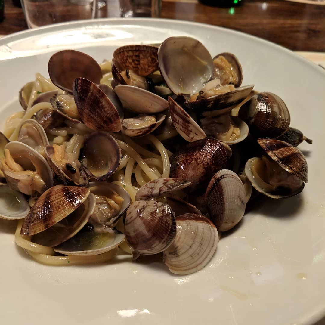 "One thing that bothers me is getting my hands dirty when eating. I avoid food that I need to handle (e.g. some kind of saucy shrimp dish where you need to use your hands to detail the shrimp), but I never imagined ""spaghetti with clams"" would be literally clams. Not the clam meat, but the whole clam"