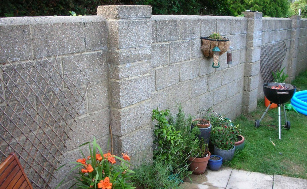 Building Garden Wall Breeze Blocks