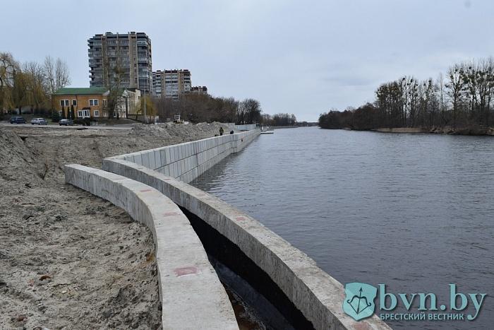 Смотрите, как идет строительство Набережной в Бресте