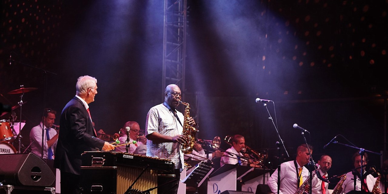 Dany Doriz big band & Manu Dibango – Montauban en scènes @ Montauban (82) – 26 juin 2018