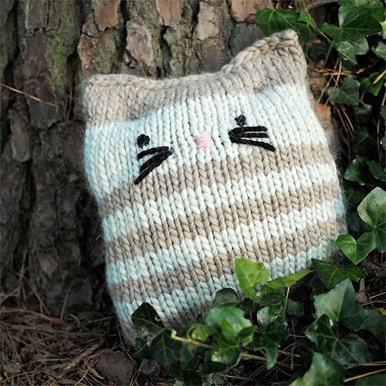free cat cushion cover to knit # 18