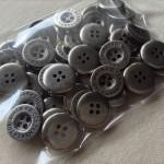 メタル調ボタン2