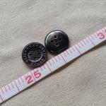 メタル調ボタン3
