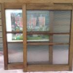 ガラス割れ窓枠1