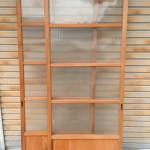 縦縞ガラス引き違い戸1