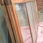 縦縞ガラス引き違い戸5