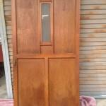大きな木製扉1