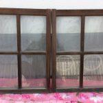 小さい透明ガラス引き違い戸2