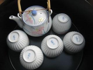 有田焼の急須とお湯のみ