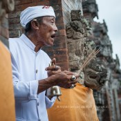 wpid-PhotoA.nl_Bali_ceremony_02.jpg