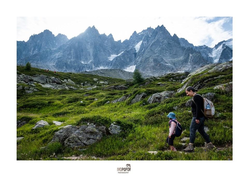 Family photo adventure above Chamonix