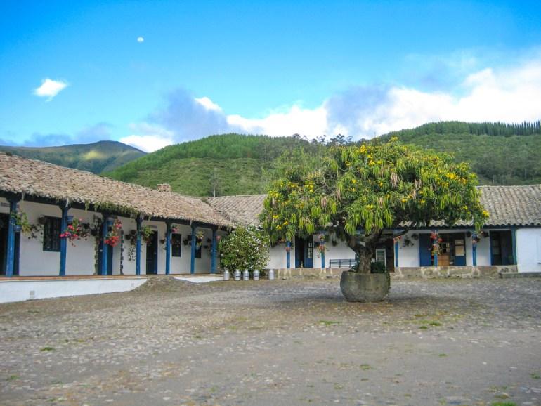 Sommer-Antrim-Ecuador-Zuleta-IMG_4179-CRadj