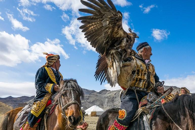 Mongolia: Golden Eagles to the Gobi Desert