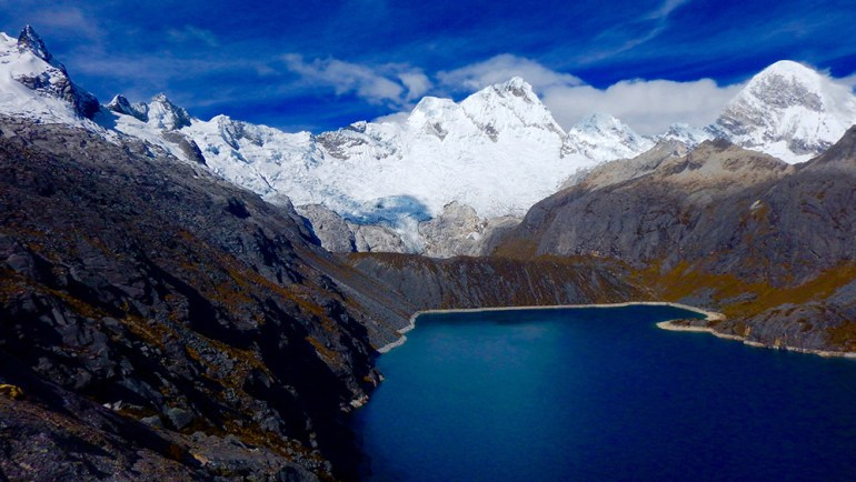laguna collicucha in Cordillera Blanca