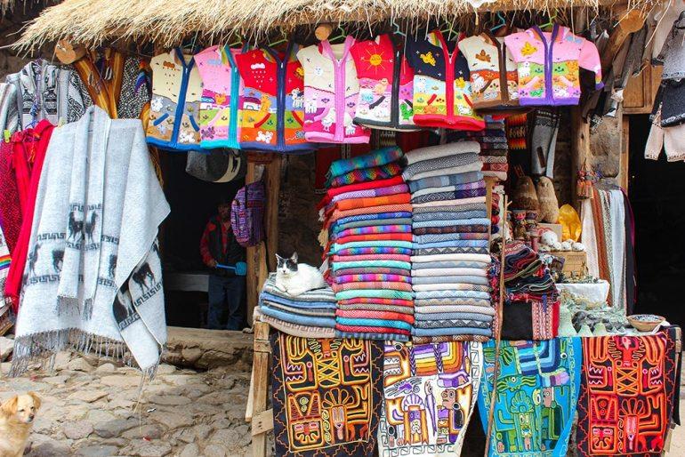 blanket shop in Peru