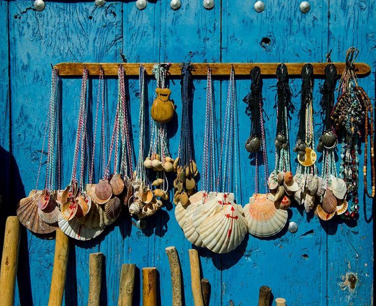 scallop shells in spain camino de santiago