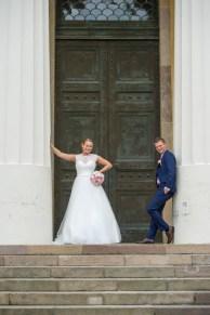 11Leo och elin bröllop uppsala-20