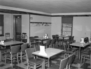 Chick Inn Harold Wright Rt 9G Greenport 1953 (3)