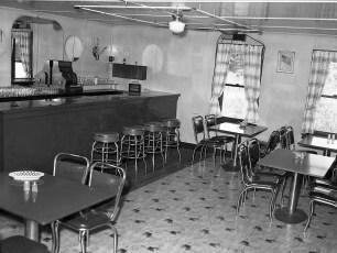 Ray's Roadside Rest Rt 9G 1954 (2)