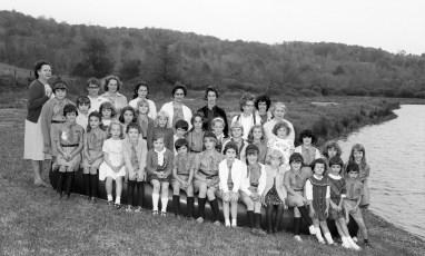 Roe-Jan Girl Scouts at Dana Gibson's Farm Hillsdale 1967
