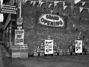 Harry Pizza Station Opening Hudson 1953 (3)
