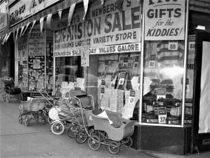 JJ Newberry Sale 1953 Hudson NY (2)